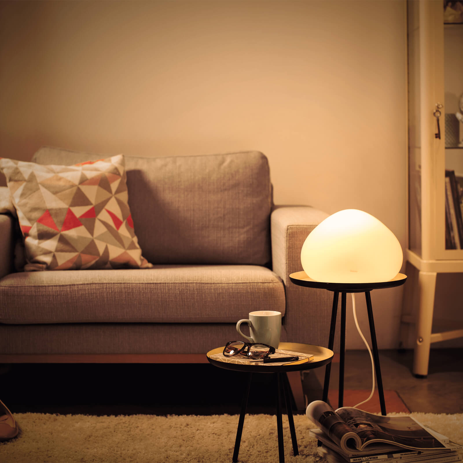 philips hue wellner lamp wit white ambiance incl dim switch. Black Bedroom Furniture Sets. Home Design Ideas