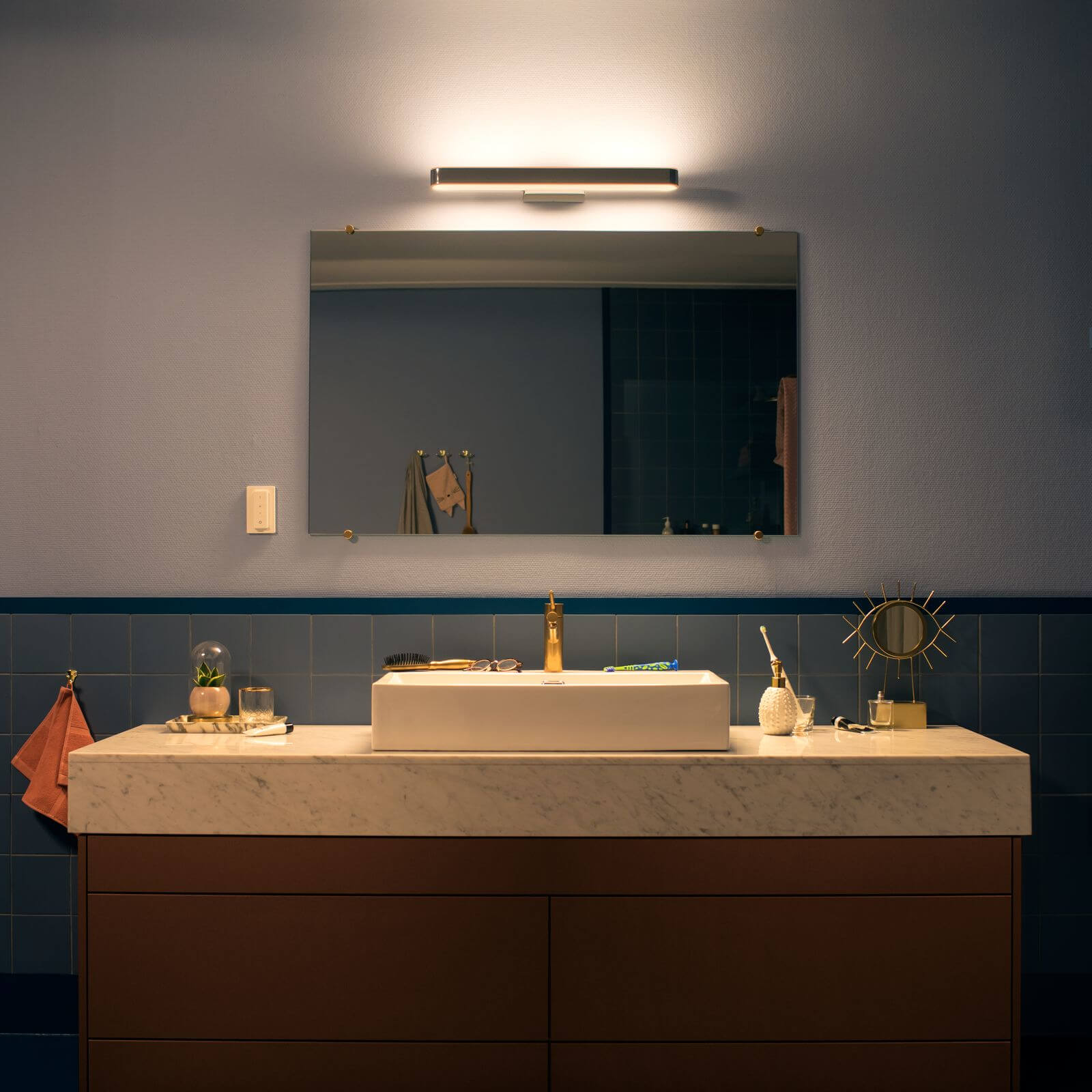 Philips Hue Adore Bathroom Wandlamp Chroom White Ambiance